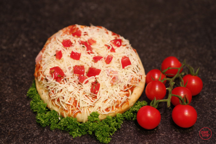 pizza met tomaat - Meattime